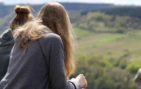 我该如何知道挽回分手女友的最佳时间,不让感情就此错过