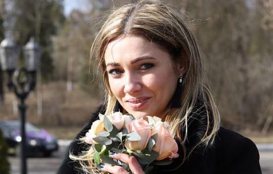 挽回女友的时候送花结果花被扔了,我很难过