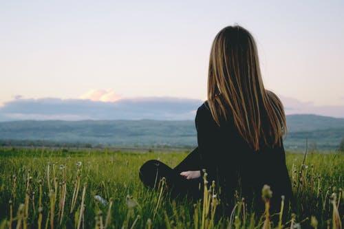 男人应该为了挽回女友选择自残吗,是爱情还是疾病