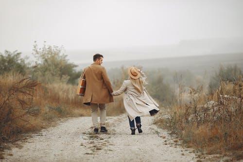 挽回对自己失望的女友要怎么做,成功挽回失望女友的方法