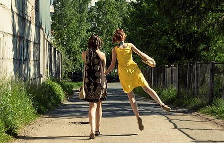 二次吸引怎么挽回前女友的心,靠二次吸引技巧可以挽回前女友吗