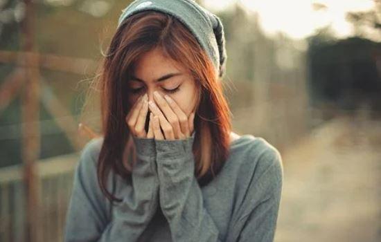 女友对我越来越冷淡,怀疑有了第三者该怎么挽回?