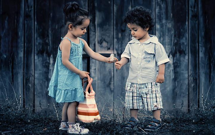 挽回前女友,给她送礼物但被拒收,到底怎么送才能挽回?