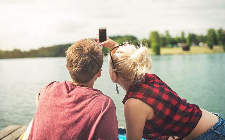 挽回女友正确方式,如何对她进行二次吸引?