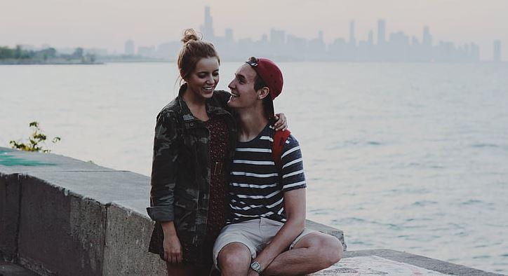 挽回女友用的聊天方式,用幽默的方式可以挽回女友吗?